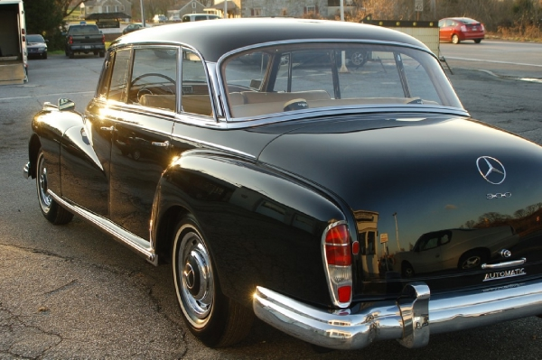 1958 mercedes benz 300d limo for Mercedes benz limousine price