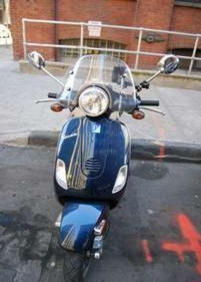 Used-2005-Vespa-150