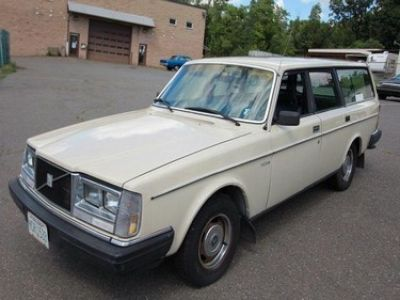 Used-1983-Volvo-Station-wagon