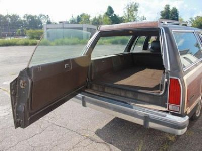 Used-1988-Ford-Country-Squire