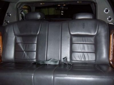 Used-2004-Lincoln-6-Passenger