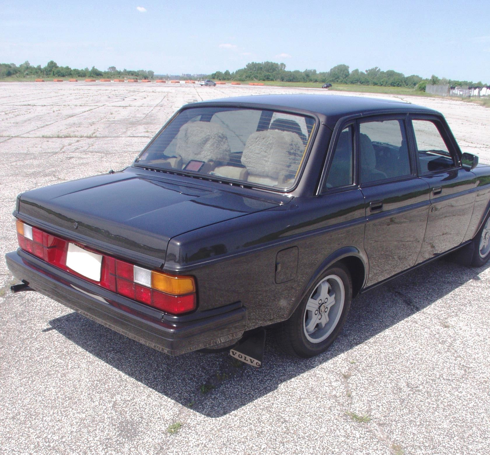 1984 Volvo 240 Stock # 3452-136671 For Sale Near New York