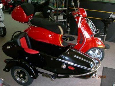 Used-2008-Vespa-Sidecar