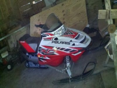 Used-2011-Polaris-Snowmobile