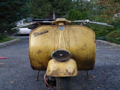 Used-1960-Vespa-Fenderlight