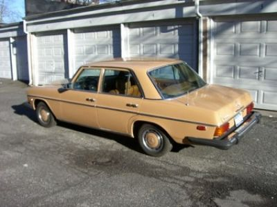 Used-1975-Mercedes-Benz-240D