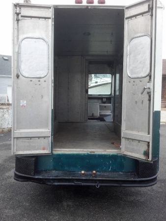 Used-1979-Chevrolet-P-30-Box-Truck