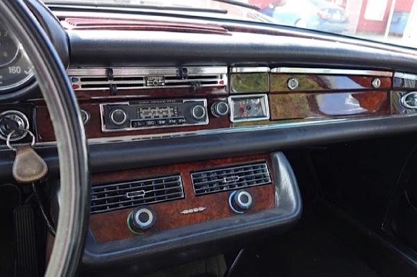 Used-1970-Mercedes-Benz-280se-Cabriolet