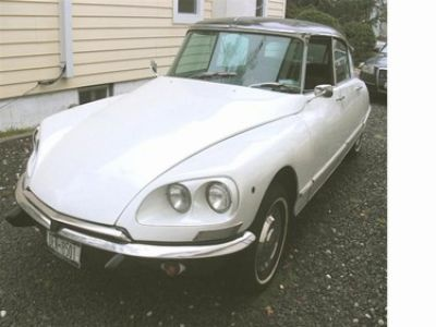 Used-1967-Citroen-DS-21-4-Door