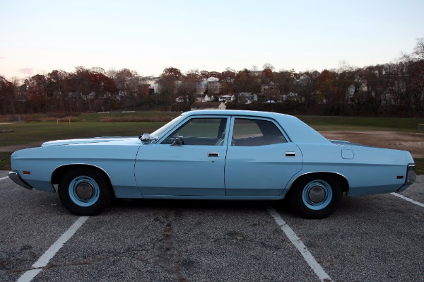 Used-1972-Ford-custom-500-sedan