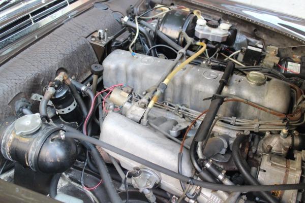 Used-1970-Mercedes-Benz-280-SL