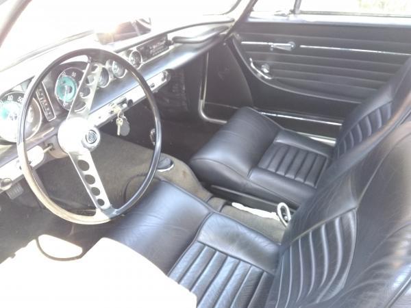 1966-Volvo-1800-S