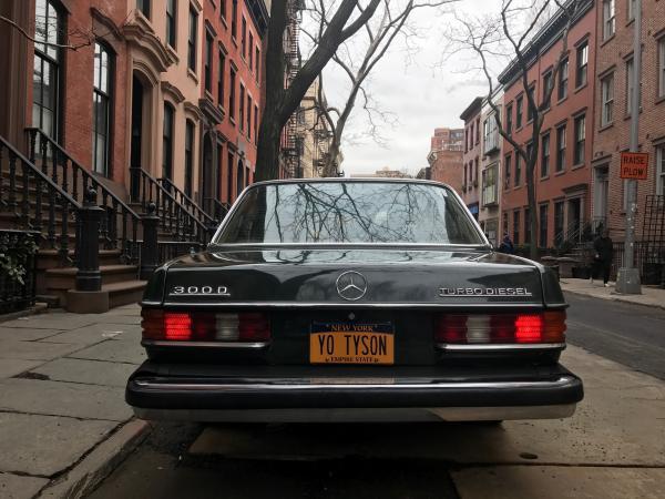 1983-Mercedes-Benz-300D