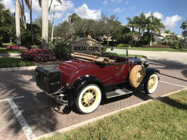 1930-Ford-Model-a-DeLuxe-Roadster