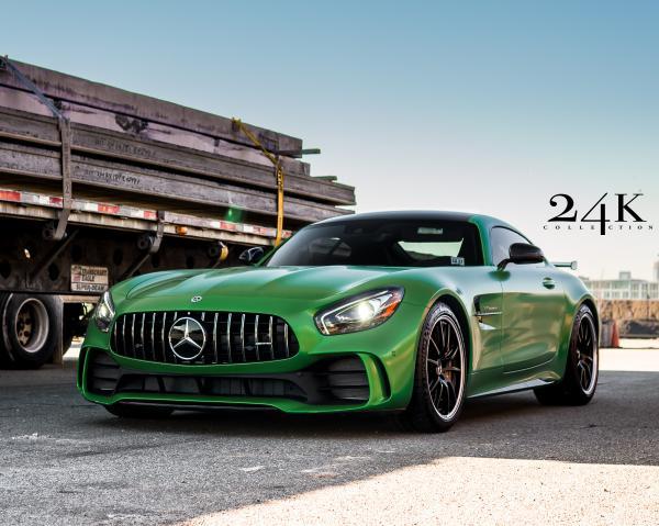 2018-Mercedes-Benz-AMG-GT-R