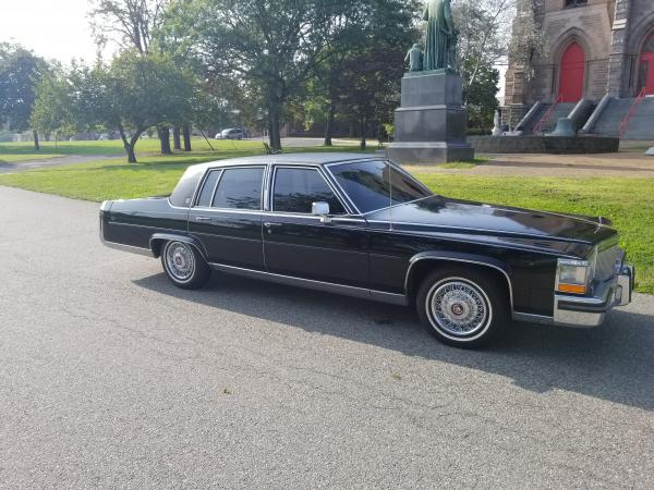 1987-Cadillac-Brougham-(Fleetwood)