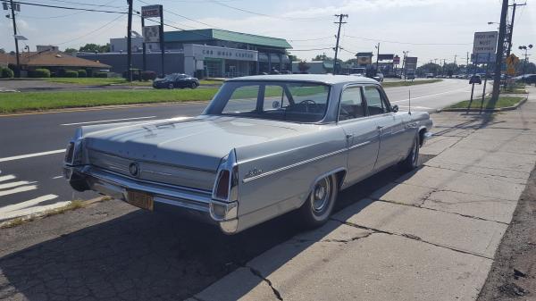 1963-Buick-Le-Sabre--4-door-Sedan