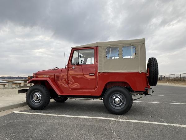 1977-Toyota-Land-Cruiser-FJ40-70s-SUV-Rugged-Offroad