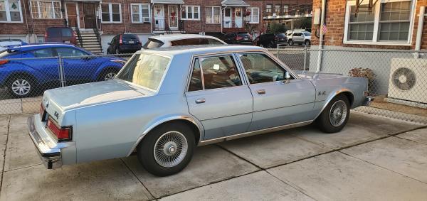 Used-1988-Plymouth-Gran-Fury-80s-90s-nondescript
