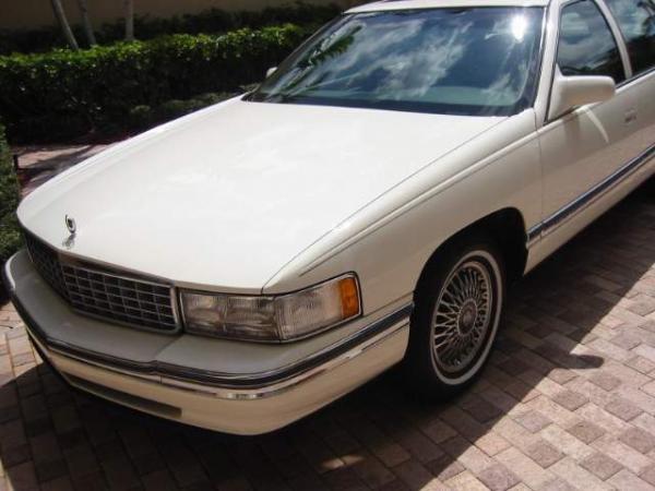 Used-1994-Cadillac-Sedan-deVille-90s-00s-Nondescript