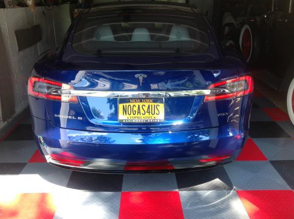 2016-Tesla-Model-S-Electric-Contemporary-Luxury-Limo