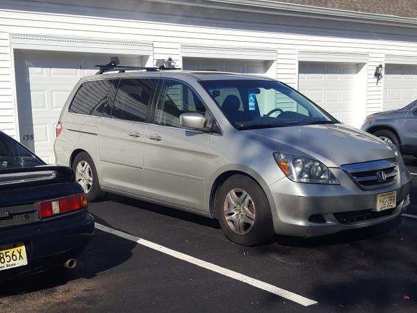Used-2005-Honda-Oddyssey-Minivan-2000s-nondescript