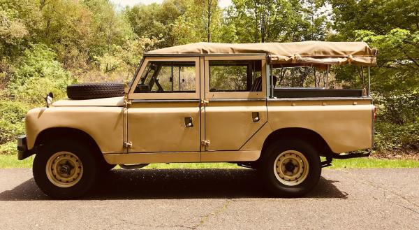 Used-1967-Land-Rover-Series-2A-60s-70s-British-Offroad-Rugged-SUV