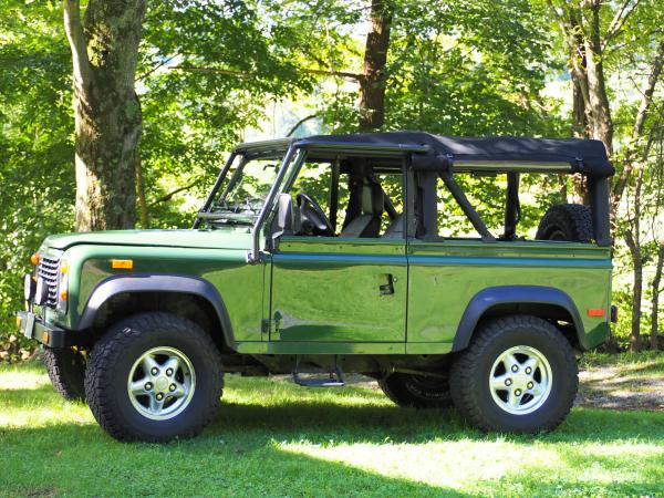1994-Land-Rover-Defender-90-90s-00s-Offroad-SUV