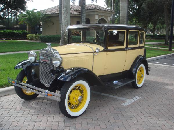 Used-1930-Ford-Model-A-DeLuxe-Town-Sedan-30s-American