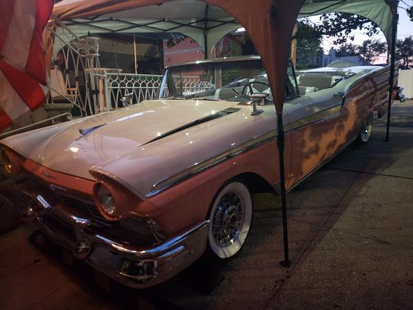 Used-1957-Ford-Skyliner-50s-60s-Muscle-American-Americana-Classic