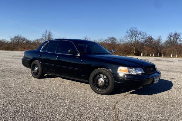 2011-Ford--Crown-Victoria