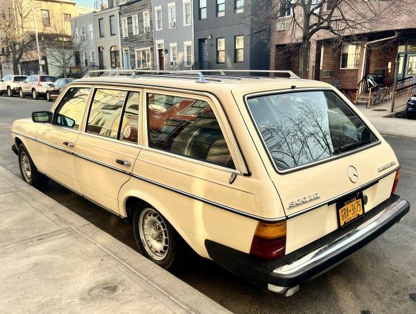 1985-Mercedes-Benz-300TD