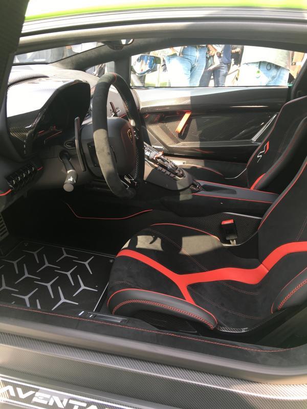 2019-Lamborghini--Aventador-svj