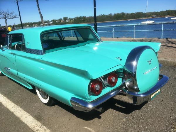 1959-Ford-Thunderbird