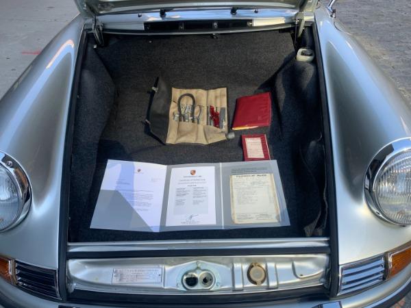 Used-1972-Porsche-911T-Targa