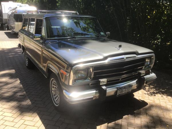 1989-Jeep-Grand-Wagoneer