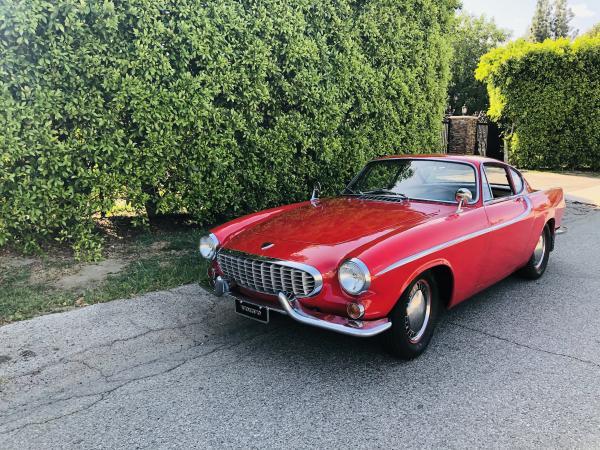 1962-Volvo-P1800