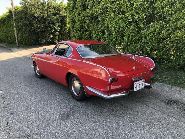 1962-Volvo--P1800