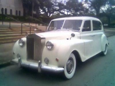 Used-1960-Rolls-Royce-Limousine